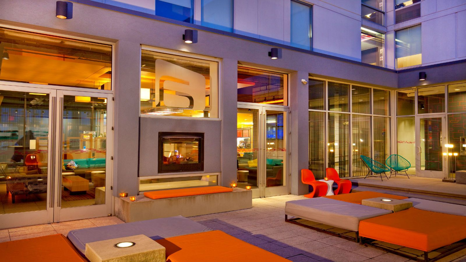 Aloft Bolingbrook - Backyard