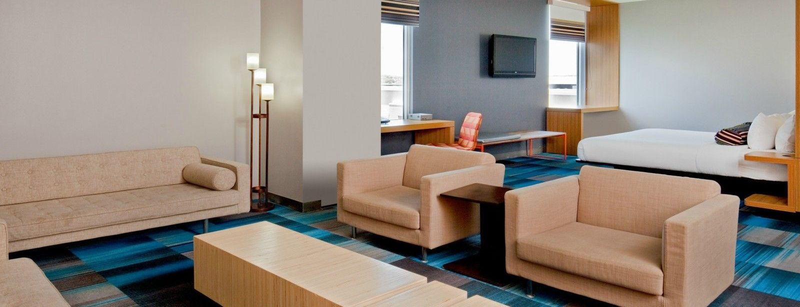 Bolingbrook Accommodations - Aloft King Suite